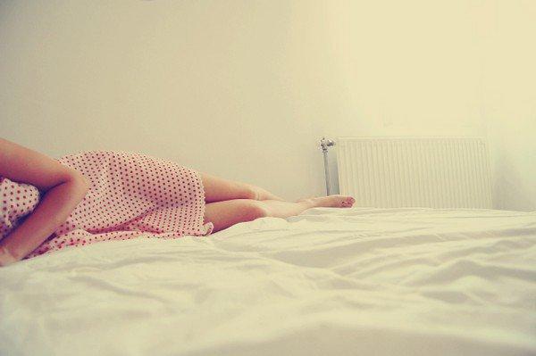 """""""Tu veux savoir ce qui me manque le plus ? Ce qui me manque, c'est ton odeur. Quand t'es partie, je n'ai plus changé les draps parce que je ne voulais surtout pas la perdre complètement. Et ça m'a foutu en l'air assez longtemps parce que, quand je me réveillais, je baignais encore dans ton odeur et tu étais pas là. Chaque matin, mon c½ur se brisait à nouveau."""""""
