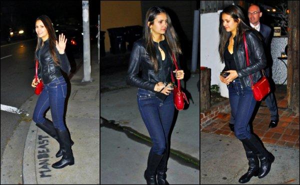 2 février 2012 ♣ Nina a été vu a West Holywood en compagnie de Julie Plec.