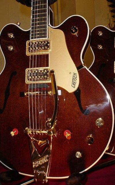 Taylor Swift : Jake Gyllenhaal lui a offert une guitare à 10 000 $ pour son anniv' !