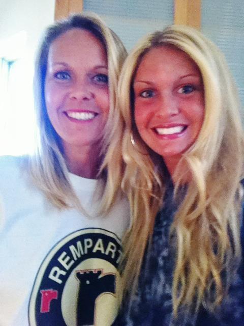 Ma mère et moi ,  sans maquillage.