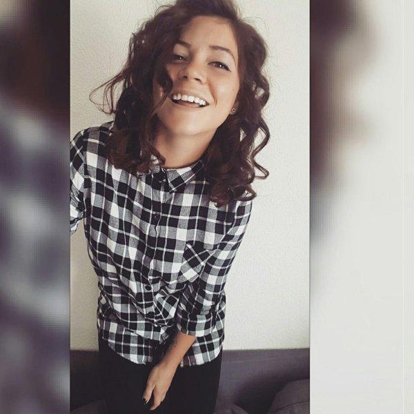 Il faut rire avant d'être heureux, de peur de mourir sans avoir ri.