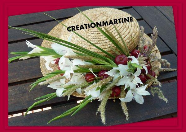 bravo !!! a la créatrice de ce joli chapeau elLe se trouve dans la revue florale ''ATELIER FLORALE'   du mois de juillet numéro 23                                   as voir pour les grande passionnée de fleurs'
