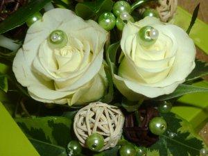 2 roses blanche !!!!!!!!!fait au mois de novembre