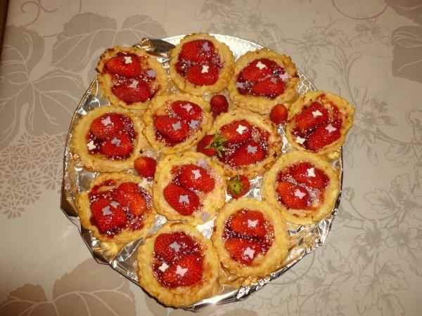 voila pour moi  ce matin a faire des gâteaux a  la fraise