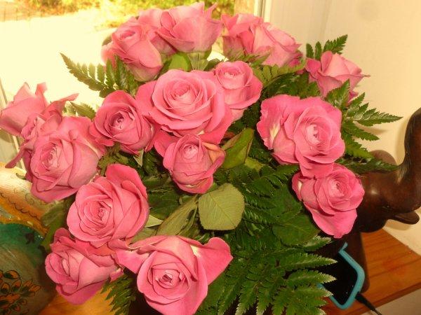 BELLE JOURNEE AVEC CE   JOLI  bouquet
