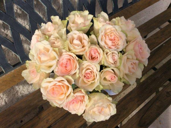 Mon bouquet de PRINTEMPS ROSES ROSE