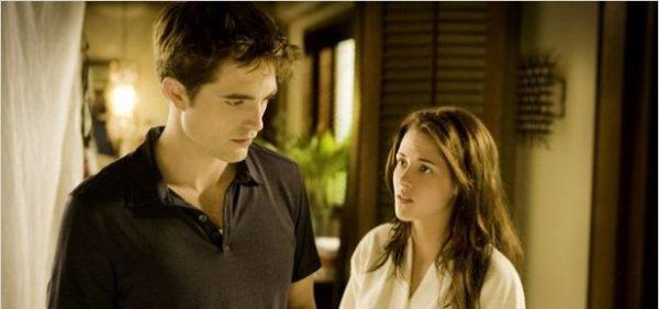 les critiques tombent sur Twilight 4