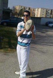moi avec mon ballon de rugby