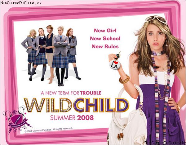 """Notre Coup de ♥ :Film : Wild Child ! . J'ai vraiment aimé ce film, qui est un court-métrage pour ados : Super ! Au début quand Poppy Moore (Emma Roberts) est gâtée/riche, c'est très amusant la manière dont elle répond à Ariette. Une belle transformation à la fin & innatendue. J'ai particulièrement aimé Freddie Kingsley (Alex Pettyfer) qui est (faut l'avouer) hyper canon. Ainsi que Poppy Moore et Harriet Bentley (Georgia King) alias le Cheval [ceux qui l'ont vu me comprennent] ,qui est idiote (elle me fait hurler de rire à chaque fois qu'elle passe :D !). & ses deux acolytes,Tweedledee & Tweedledum sont aussi excellentes, avec leur : """"Il me semble aussi Harriet"""" ! Ce film est très divertissant, à voir entre copines lors du soirée pyjama, par exemple ! ;) .  Résumé ."""