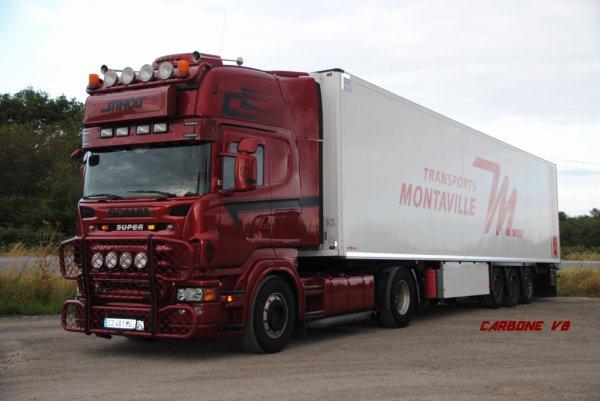 Transport Montaville. RN7. Août 2016.
