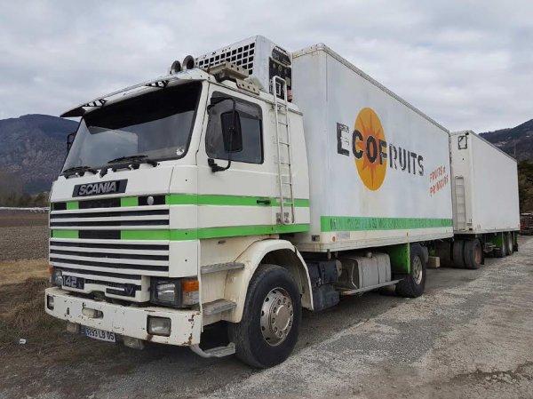 Un bon camion-remorque Scania 142. Photo David Houche.
