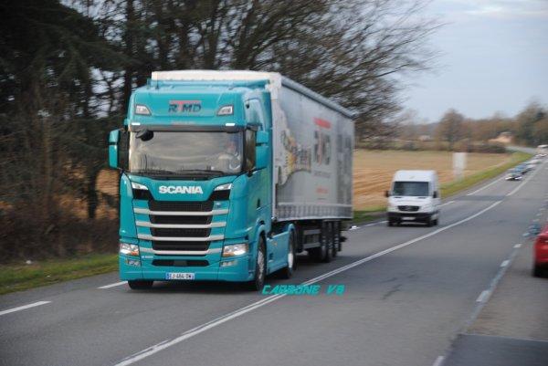 Transport RTMD. Nouveau Scania croisé sur les routes de l'Allier.