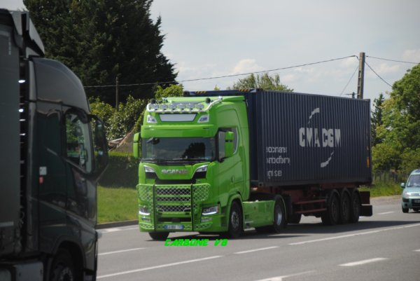Un nouveau Scania sur les routes de l'Allier. Mai 2017.