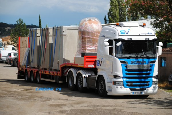 Transport Vidil. Scania 6/2/4. R580.