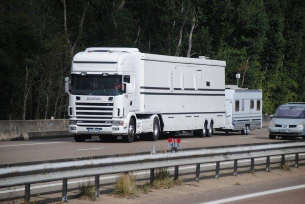 Nos amis les forains des grands passionnés de Scania.
