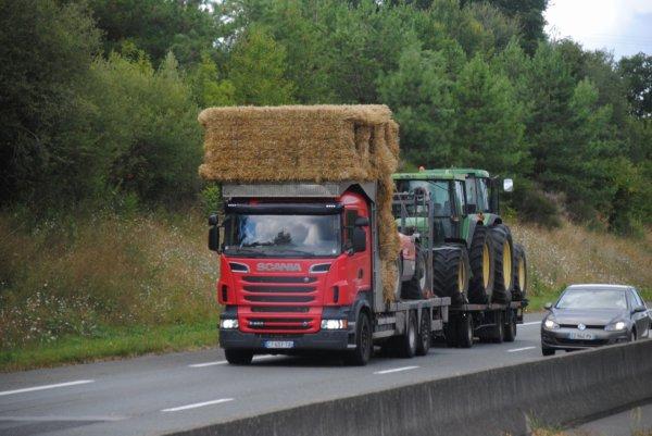 Un Scania dans le monde agricole.