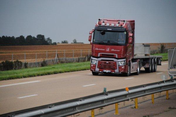 Transport Christian Bouzon sur l'A6.