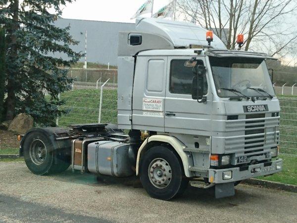Un vaillant Scania 142 ex Transport de Savoie.