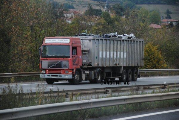 Volvo F12-400. Série Trans Euro. Toujours en service.