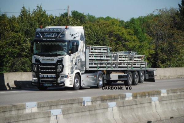 Transport Lampe. Scania S730.