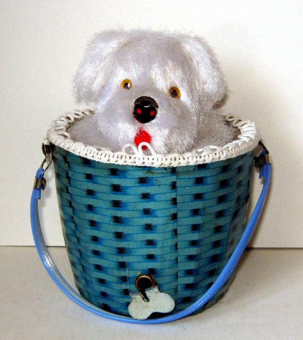 "AUTOMATE MECANIQUE MADE IN JAPAN - ALPS "" PEEK A BOO PUPPY "" "" CHIEN BLANC DANS SON PANIER """