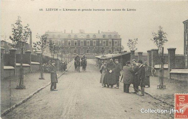 une ançiènne carte postale de l'avenue des grands bureaux des mines de lièvin