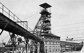 une ançiènne photo de fosse5 est 5bis des mines de lièvin