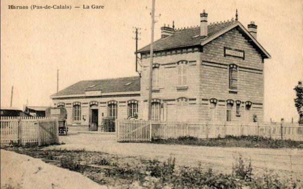 une ançiènne photo de la gare de harnes (62)