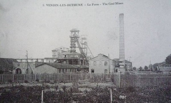 une ançiènne photo de vendin- les bethune la fosse the coal mines