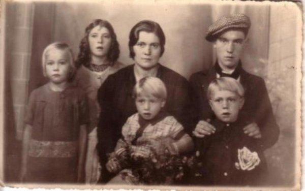 rouquin , jeanne et les enfants de jeanne paulinette josephe antoine bernadette