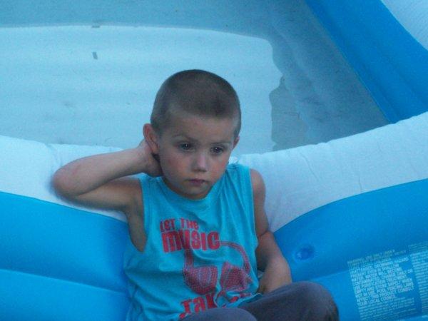 mon fils aaron bientot 4 ans