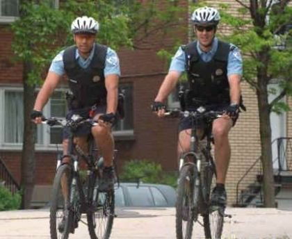 Policier a Vélo .
