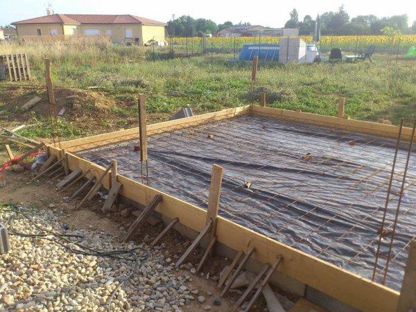 CONSTRUCTION DU GARAGE  ET DE LA CLÔTURE
