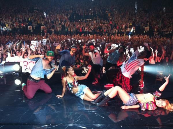 Concert a Toulouse le 7 Juin 2012. + Merci d'être ( Live ) + Twits de Matt.