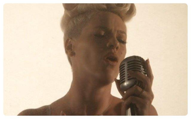 "P!nk : ""Just give me a reason"" !"