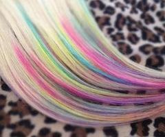 Cheveux multicolores...