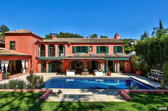 Goran vend sa maison ...