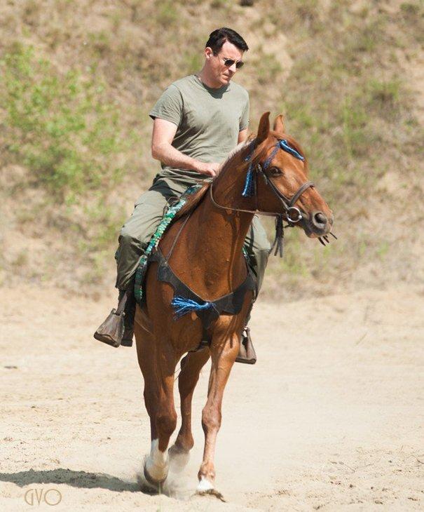 à cheval à Đurđevac  ,promenade hors tournage