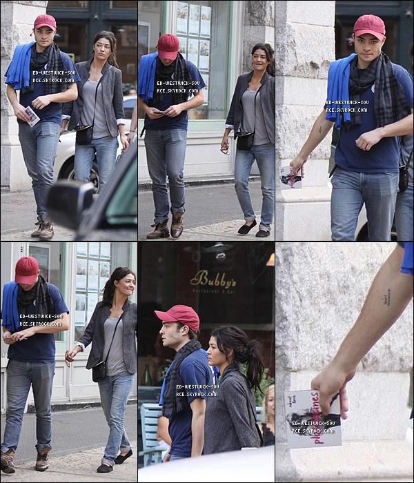 . FLASHBACK---- 04/10/09 :  Ed et Jessica se rendant au restaurant Bubby pour déjeuner. __ TOP/FLOP la tenue? .