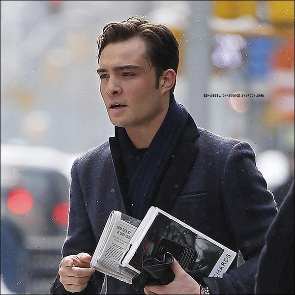 .   12 janv. :  Ed se rendant sur le tournage de Gossip Girl sous la neige à New York. .