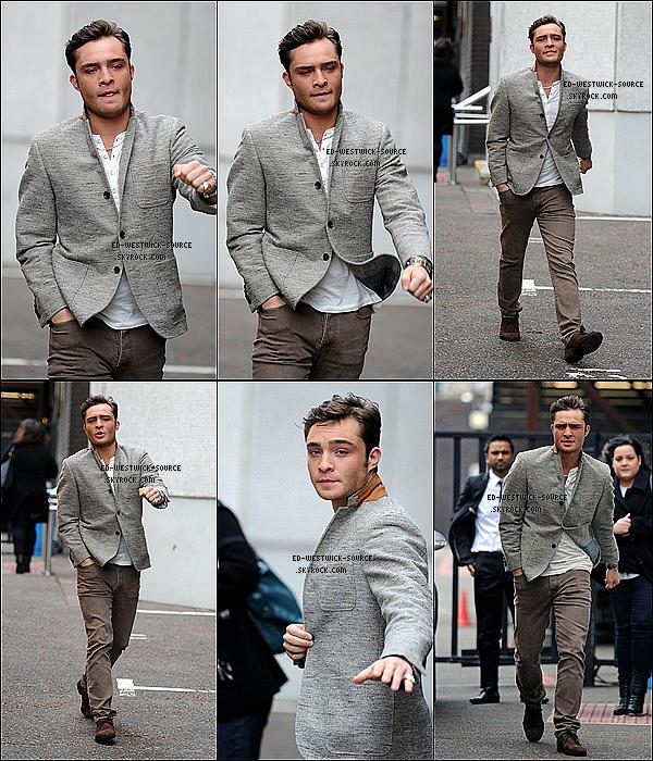 . 07/02/11 : Ed sortant des studios de radio ITV ou il a donné une interview à Londres._Top ou flop sa tenue? .