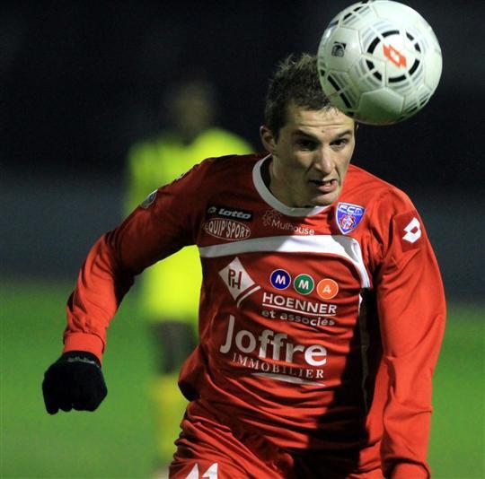 Football : le FCM vise la tête