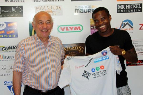 Josué BALAMANDJI a signé :