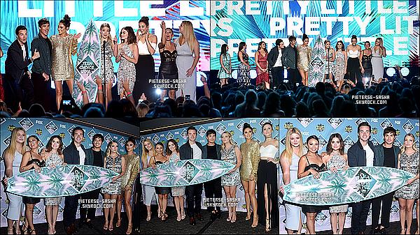 31 / 07 / 16 :Sasha sublime, avec le cast de PLL ont été au Teen Choise Awards à Los Angeles. Sashatrès jolie, mais un peu grossi je trouve mais toujours sublime.Elle & le cast ont recu un prix grâce à la série. Bravo à eux !!!