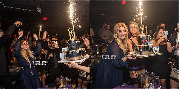 17 / 02 / 17 :Sasha a été fêter son 21ème anniversaire auPalms Casino Resortà Las Vegas. Sashatoute contente, célèbre son 21ème anniversaire avec ses amis ainsi que ses proches. Elle a eu un gâteau spécial PLL, J'adore.