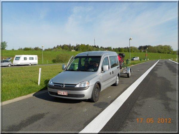 J'ai accompagné les Macadam Rider jusqu'au Luxembourg ;0)