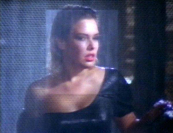 19 Septembre 1988: Never trust a stranger (music video)