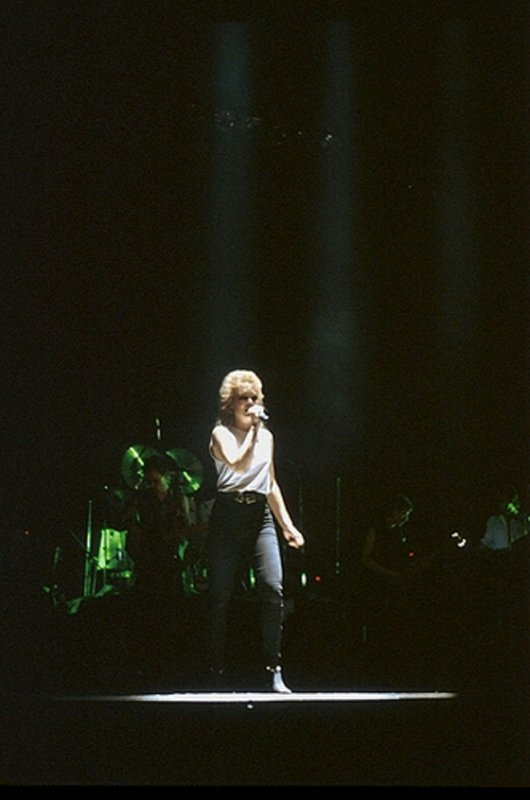 27 octobre 1982: Debut tour