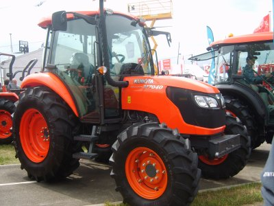 Kubota M7040