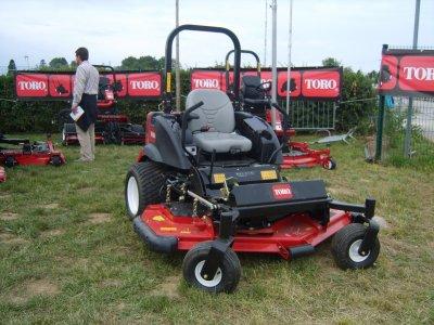 tracteur tondeuse toro scania r 620. Black Bedroom Furniture Sets. Home Design Ideas